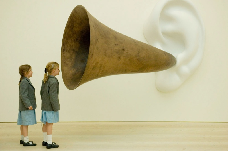 John Baldessari's sculpture at Saatchi Gallery.